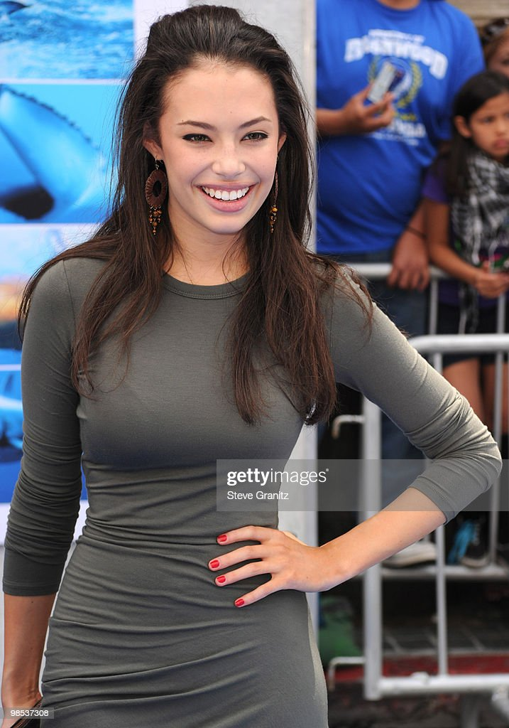 Chloe Bridges attends the 'Oceans' Los Angeles Blue Carpet Premiere at the El Capitan Theatre on April 17, 2010 in Hollywood, California.