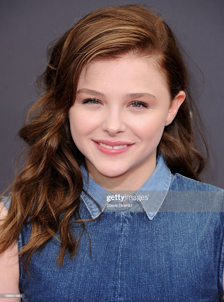 <a gi-track='captionPersonalityLinkClicked' href=/galleries/search?phrase=Chloe+Grace+Moretz&family=editorial&specificpeople=856948 ng-click='$event.stopPropagation()'>Chloe Grace Moretz</a> arrives at the 2013 MTV Movie Awards at Sony Pictures Studios on April 14, 2013 in Culver City, California.