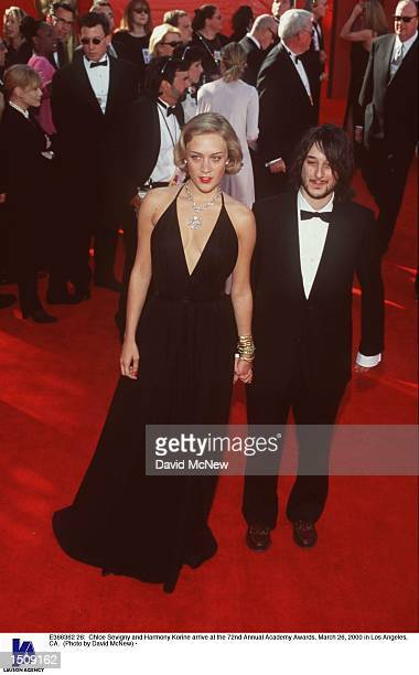 Chloe Sevigny and Harmony Korine arrive at the 72nd Annual Academy Awards March 26 2000 in Los Angeles CA