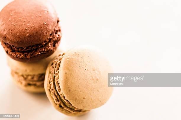 Chocolat et Caramel macarons