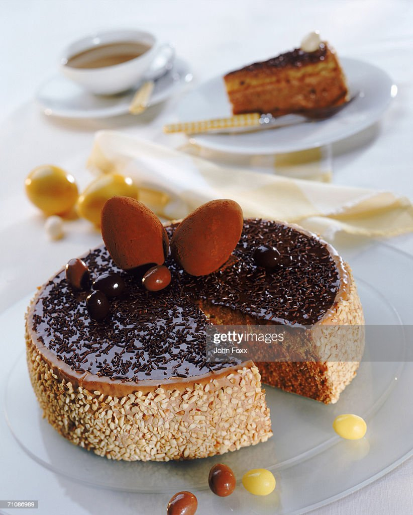 Chocolate cake on plate, close-up : Stock Photo