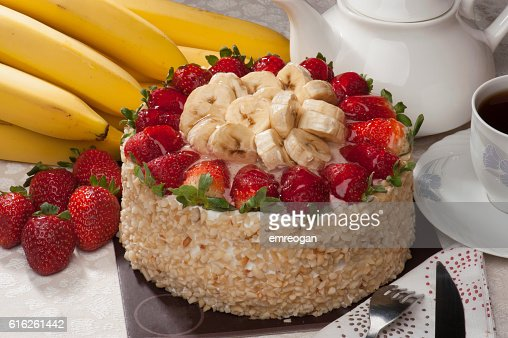 chocolate cake with fresh strawberry : Stock Photo