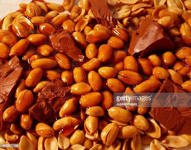 Chocolate , caramel , and peanuts