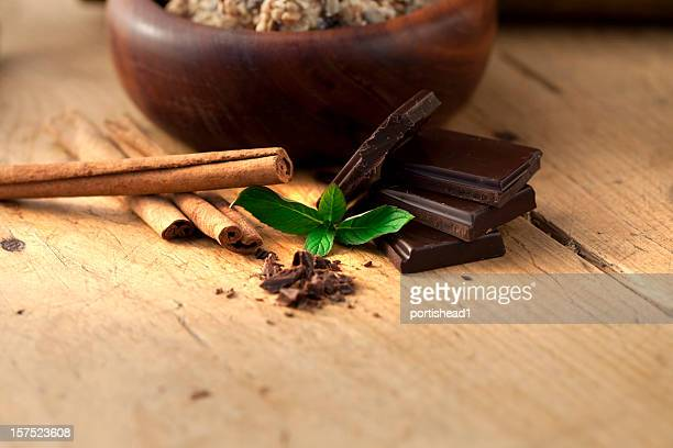 Chocolate, cinnamon and mint
