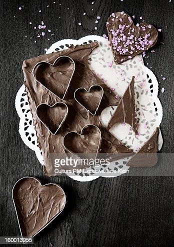 Chocolate honey cakes in heart shape : Stock Photo