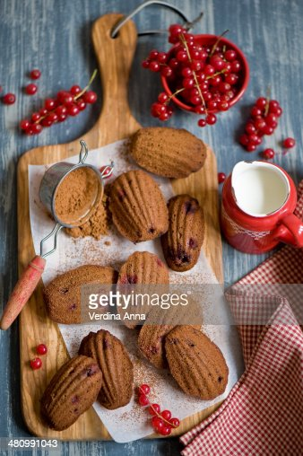 Chocolate madeleines with cranberry : Stock Photo