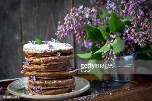 Znalezione obrazy dla zapytania Lilac flower pancakes