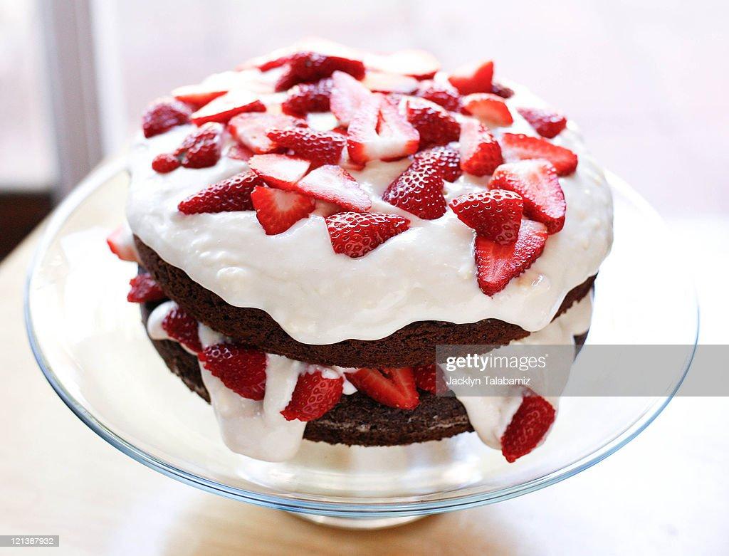 Chocolate Strawberry Cake : Stock Photo