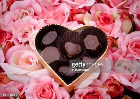 Truffes au chocolat, un bonbon de la Saint-Valentin, coeur coffret ...