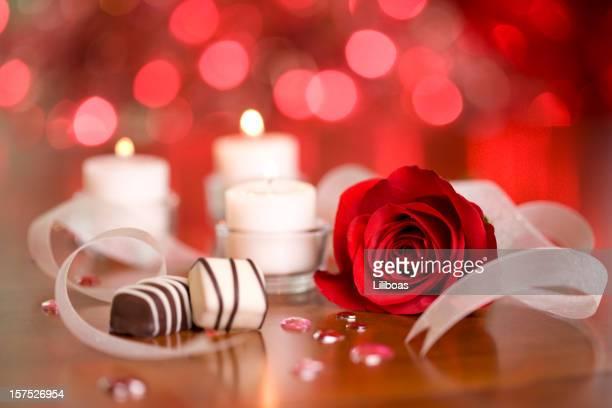 Bombons de chocolate e velas