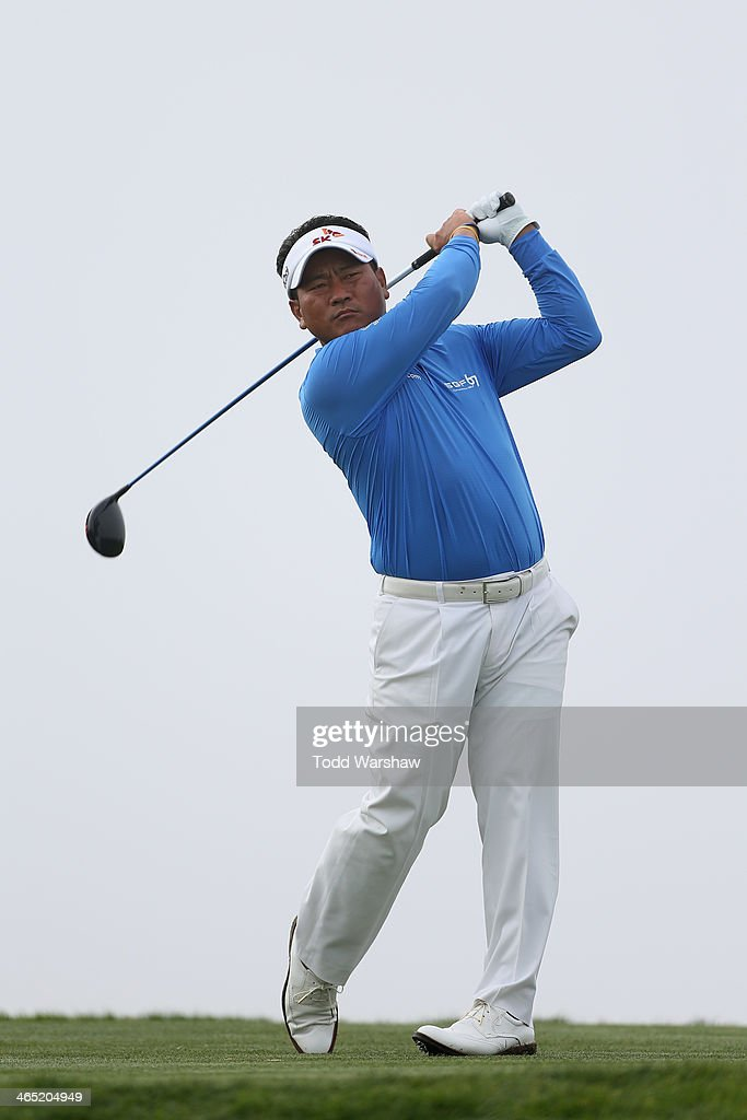 <a gi-track='captionPersonalityLinkClicked' href=/galleries/search?phrase=K.J.+Choi&family=editorial&specificpeople=183372 ng-click='$event.stopPropagation()'>K.J. Choi</a> hits a tee shot on the 4th hole during the final round of the Farmers Insurance Open on Torrey Pines South on January 26, 2014 in La Jolla, California.