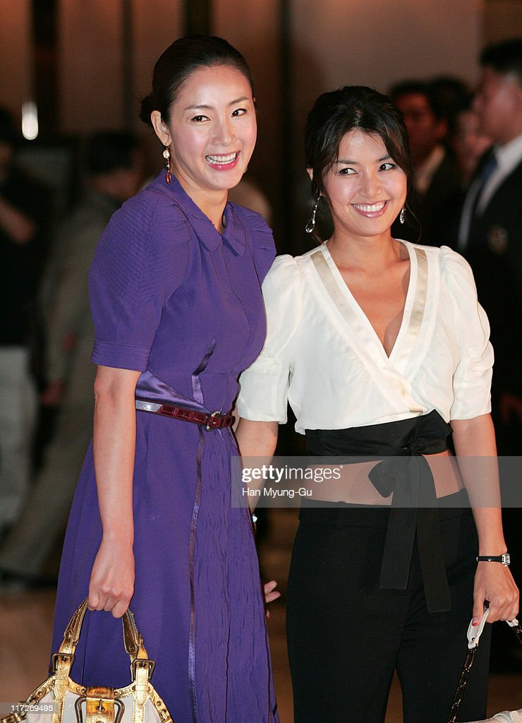 Choi Ji-Woo and Shin Ae-Ra during Kim Seung-Woo and Kim Nam-Ju Wedding - May 25, 2005 at W Seoul Walkerhill Vister Hall in Seoul, South, South Korea.