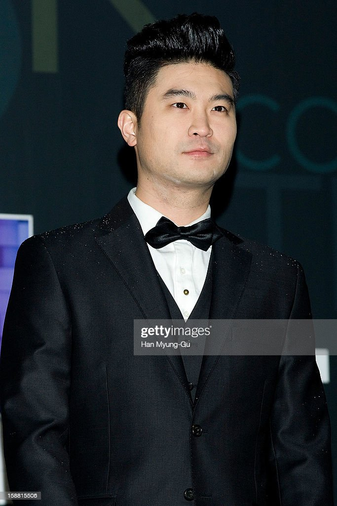 Choiza of South Korean hip hop band Dynamic Duo arrives at the 2012 SBS Korea Pop Music Festival named 'The Color Of K-Pop' at Korea University on December 29, 2012 in Seoul, South Korea.