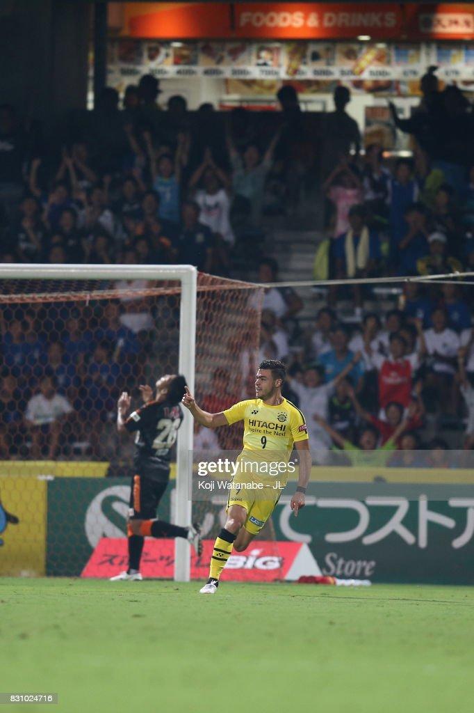 Chong Tese of Shimizu S-Pulse celebrates scoring his side's second goal during the J.League J1 match between Shimizu S-Pulse and Kashiwa Reysol at IAI Stadium Nihondaira on August 13, 2017 in Shizuoka, Japan.