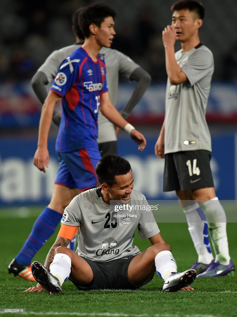 Chonlatit of Chonburi FC#25 reacts after scoring an own goal during the AFC Champions League playoff round match between FC Tokyo and Chonburi FC at the Tokyo Stadium on February 9, 2016 in Chofu, Japan.