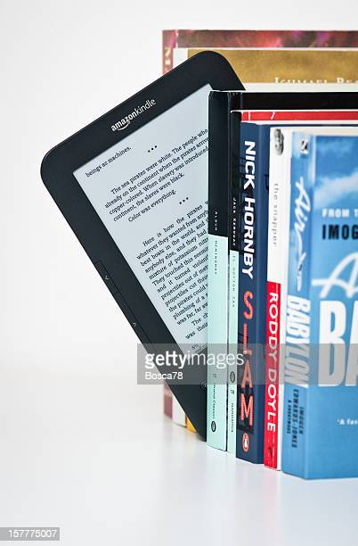 Sie lesen einen Amazon Kindle