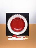 Chopsticks and plates, Close Up