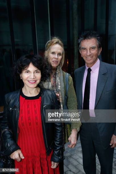 Choreographer Carolyn Carlson standing between Jack Lang and his wife Monique attend the 'pascALEjandro L'Androgyne Alchimique' Exhibition Opening at...