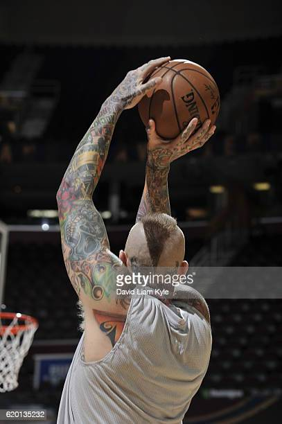 Chris Andersen of the Cleveland Cavaliers warms up before the game Houston Rockets on November 1 2016 at Quicken Loans Arena in Cleveland Ohio NOTE...