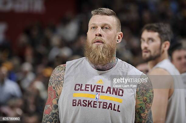 Chris Andersen of the Cleveland Cavaliers warms up before the game against the Dallas Maverickson November 25 2016 at Quicken Loans Arena in...
