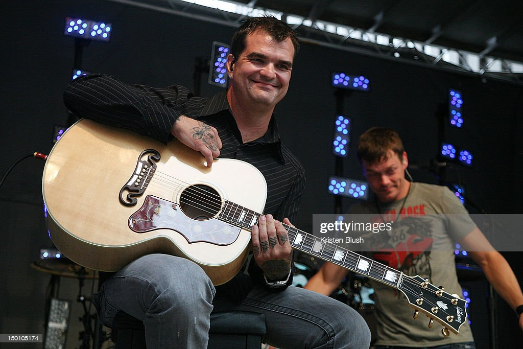 Chris Anderson of 3 Doors Down performs during u0027FOX u0026 Friendsu0027 All American Concert  sc 1 st  Getty Images & chris-anderson-of-3-doors-down -performs-during-fox-friends-all-at-picture-id150105174 pezcame.com