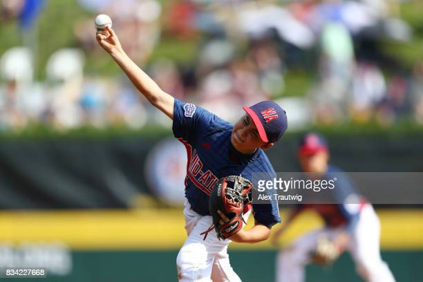 Chris Andrews of the MidAtlantic team from New Jersey pitches during Game 2 of the 2017 Little League World Series against the New England team from...