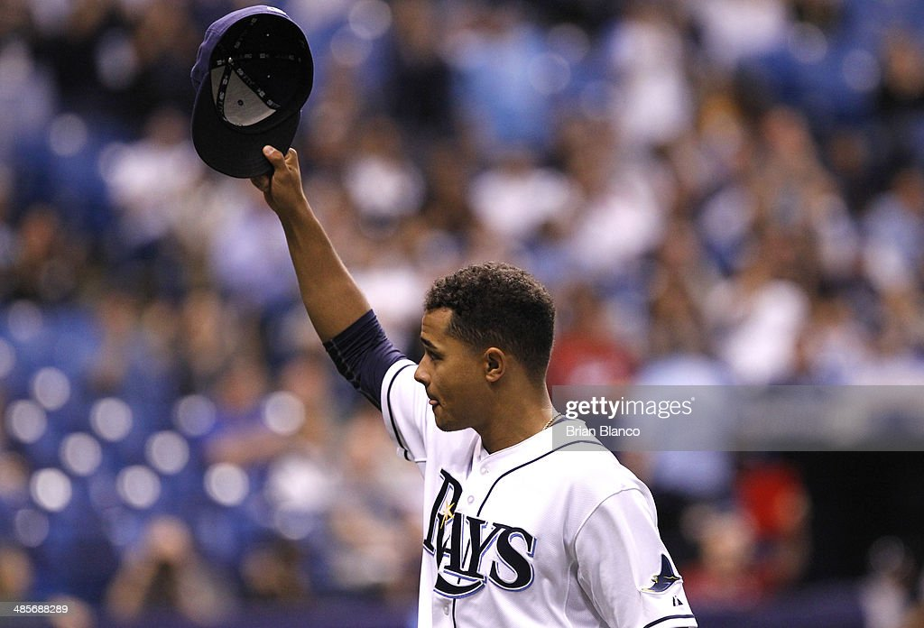 Chris Archer #22 of the Tampa Bay Rays tips his hat to the crowd as he comes out of the game during the seventh inning of a game against the New York Yankees on April 19, 2014 at Tropicana Field in St. Petersburg, Florida.