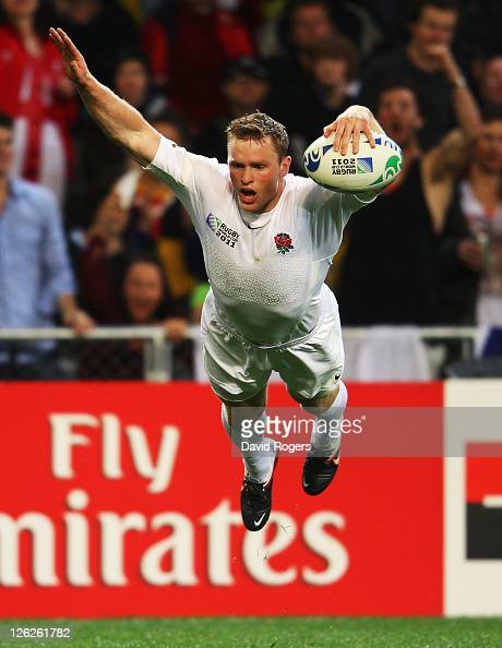 Chris Ashton of England scores his second try during the IRB 2011 Rugby World Cup Pool B match between England and Romania at Otago Stadium on...