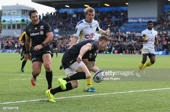 Chris Ashton of Saracens scores his second try of the match during the European Rugby Champions Cup match between Saracens and ASM Clermont Auvergne...