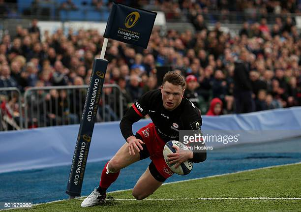 Chris Ashton of Saracens scores his team's second try of the game during the European Rugby Champions Cup match between Saracens and Oyonnax at...