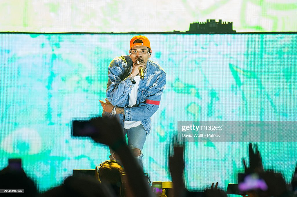 <a gi-track='captionPersonalityLinkClicked' href=/galleries/search?phrase=Chris+Brown+-+Cantante&family=editorial&specificpeople=4452016 ng-click='$event.stopPropagation()'>Chris Brown</a> performs at AccorHotels Arena on May 28, 2016 in Paris, France.