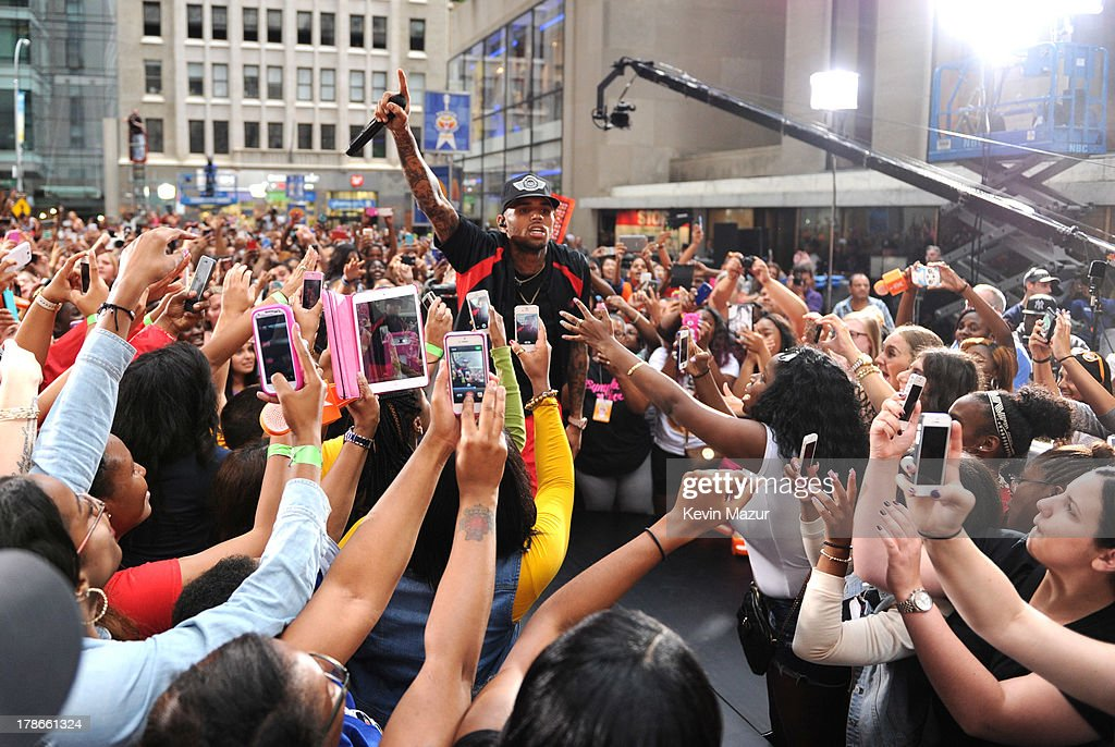 Chris Brown performs on NBC's 'Today' at Rockefeller Plaza on August 30, 2013 in New York City.