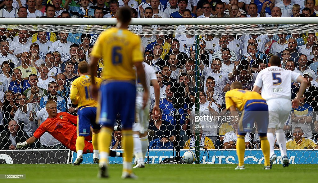 Chris Commons of Derby County beats Kasper Schmeichel of Leeds United as he scores his teams second goal from the penalty spot during the npower Championship match between Leeds United and Derby County at Elland Road on August 7, 2010 in Leeds, England.