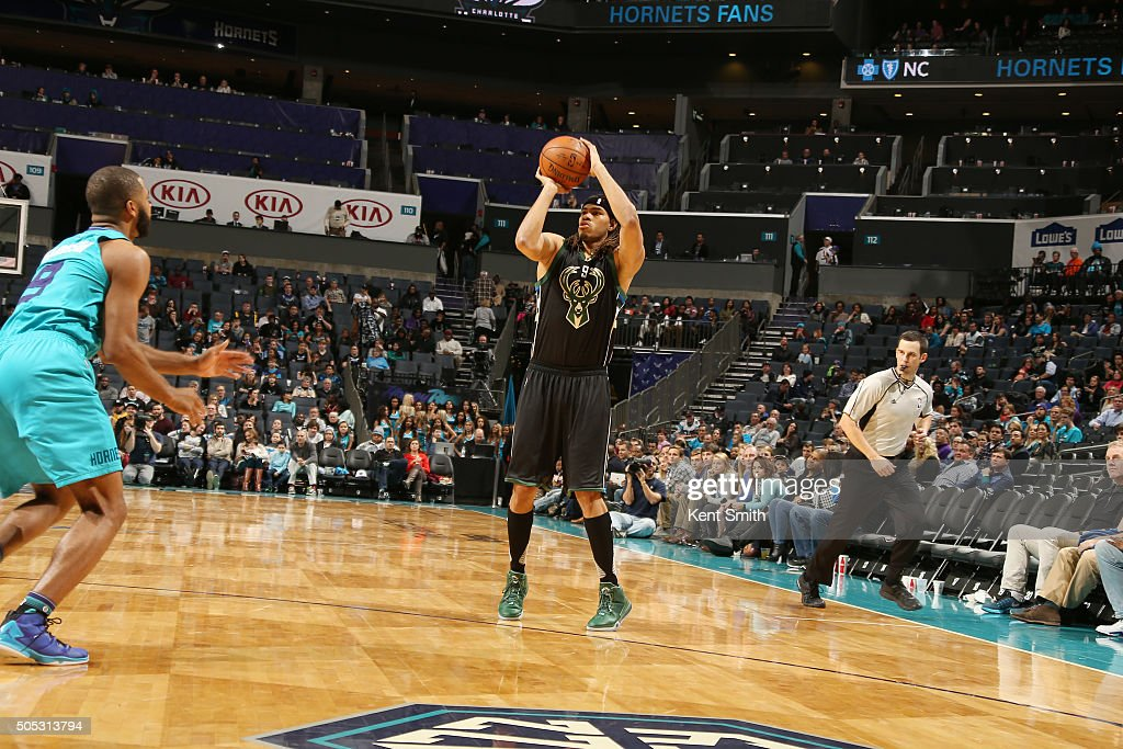 Chris Copeland #9 of the Milwaukee Bucks shoots the ball against the Charlotte Hornets on January 16, 2016 at Time Warner Cable Arena in Charlotte, North Carolina.
