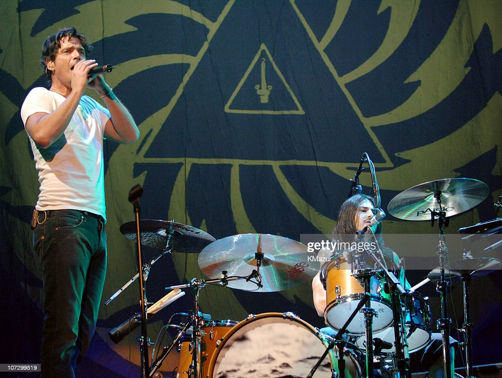 Audioslave in Concert at Madison Square Garden in New York City - October 29,