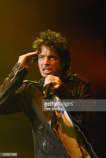 Chris Cornell performs with Linkin Park at Rod Laver Arena October 14 2007 in Melbourne Australia