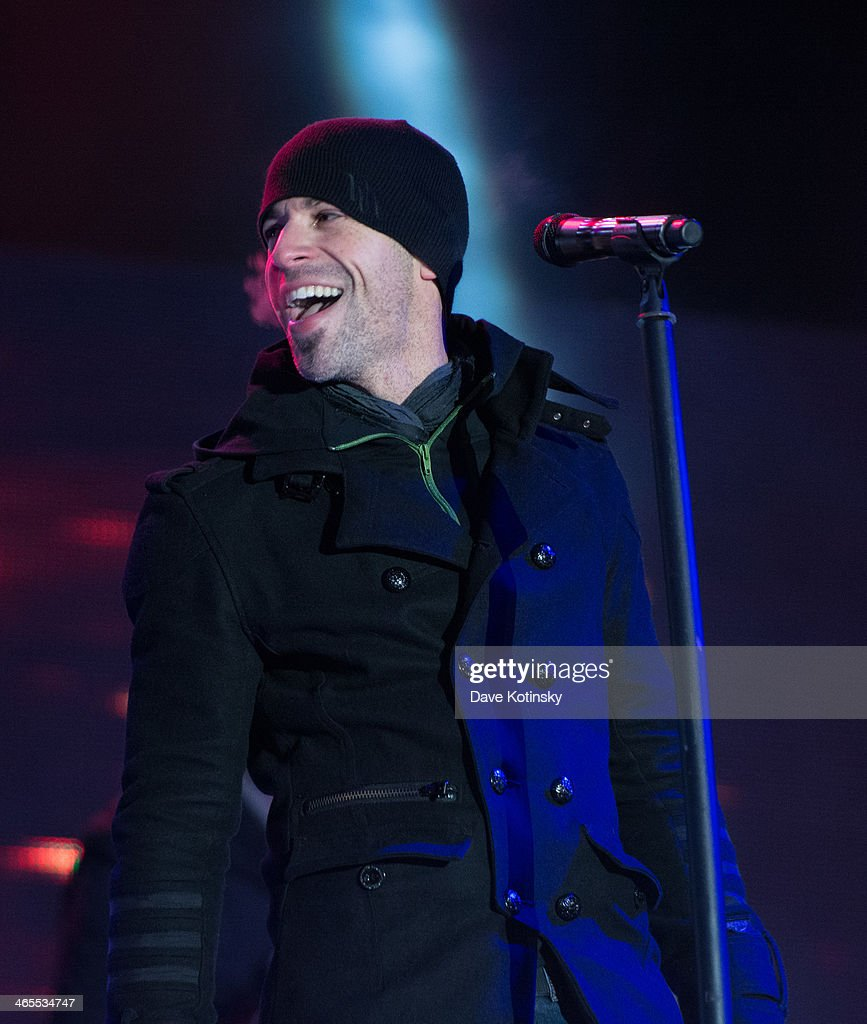 <a gi-track='captionPersonalityLinkClicked' href=/galleries/search?phrase=Chris+Daughtry&family=editorial&specificpeople=614842 ng-click='$event.stopPropagation()'>Chris Daughtry</a> performs at Liberty State Park on January 27, 2014 in Jersey City, New Jersey.