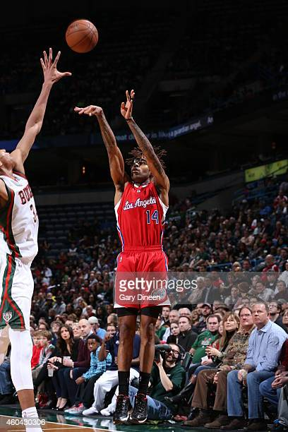 Chris DouglasRoberts of the Los Angeles Clippers shoots against the Milwaukee Bucks on December 13 2014 at the BMO Harris Bradley Center in Milwaukee...
