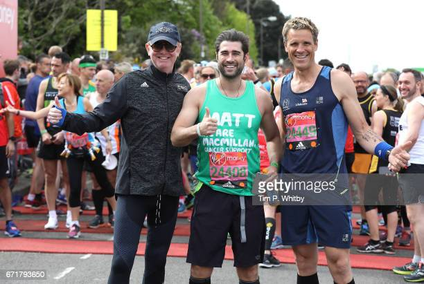 Chris Evans Matt Johnson and James Cracknell pose for a photo ahead of participating in The Virgin London Marathon on April 23 2017 in London England