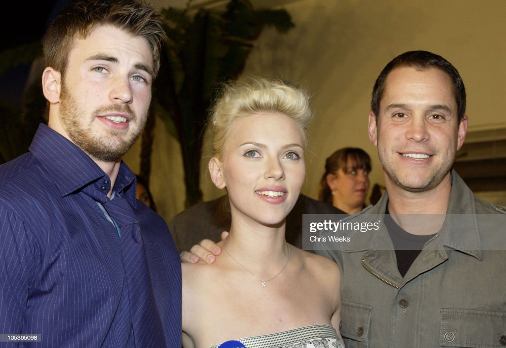 Chris Evans Scarlett Johansson and Brian Robbins during 'The Perfect Score' Los Angeles Premiere at Cinerama Dome in Hollywood California United...