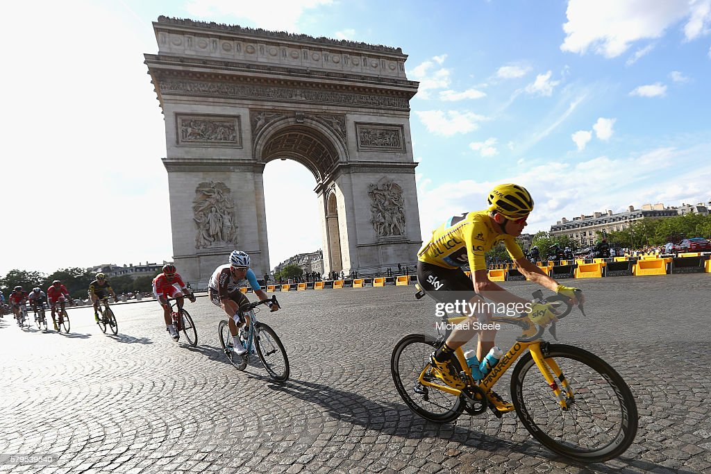 Chris Froome of Great Britain and Team Sky passes the Arc de Triomph on the first lap during stage twenty one of the 2016 Le Tour de France, from Chantilly to Paris Champs-Elysees on July 24, 2016 in Paris, France.
