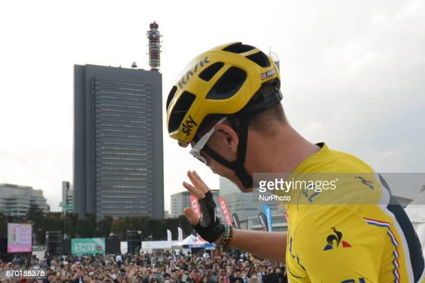 Chris Froome with the public during the 5th edition of TDF Saitama Criterium 2017 Team Time Trial Race On Saturday 4 November 2017 in Saitama Japan