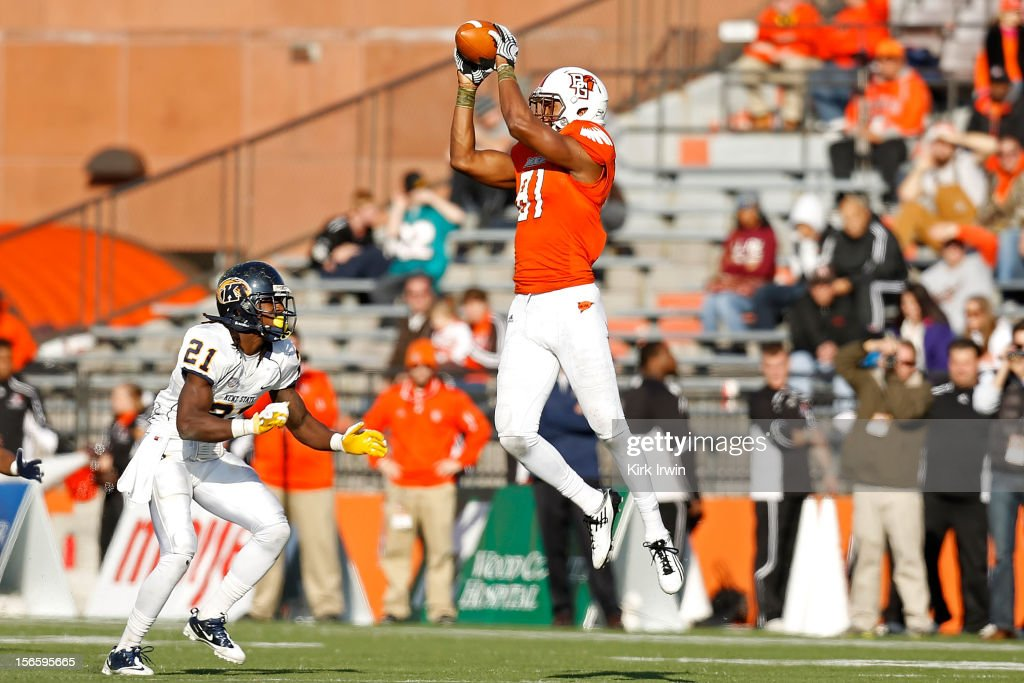 Chris Gallon #81 of the Bowling Green Falcons makes a catch in front of Sidney Saulter #21 of the Kent State Golden Flashes during the third quarter on November 17, 2012 at Doyt Perry Stadium in Bowling Green, Ohio. Kent State defeated Bowling Green 31-24.