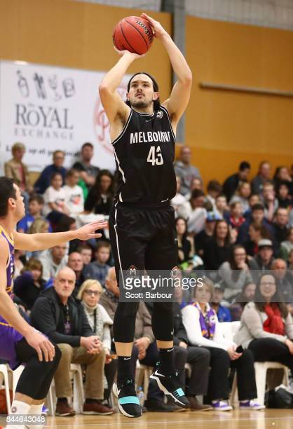 Chris Goulding of United shoots the ball during the 2017 NBL Blitz preseason match between Melbourne United and the Sydney Kings at Traralgon...