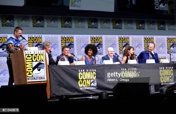 Chris Hardwick Peter Capaldi Steven Moffat Pearl Mackie Matt Lucas Michelle Gomez and Mark Gatiss at 'Doctor Who' BBC America official panel during...