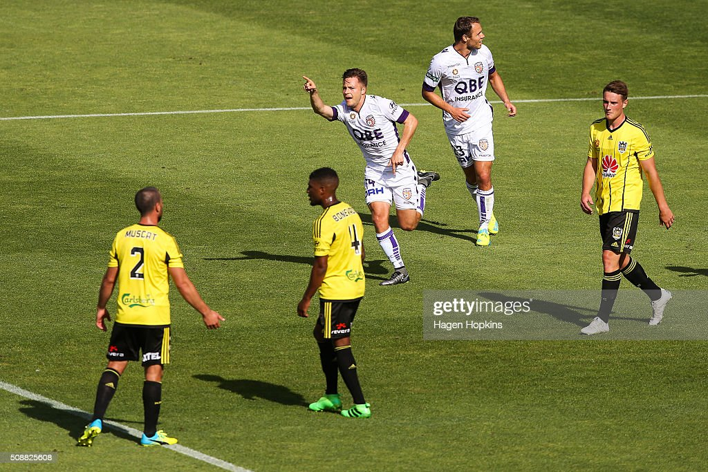 Chris Harold of the Glory celebrates after scoring a goal during the round 18 A-League match between Wellington Phoenix and Perth Glory at Westpac Stadium on February 7, 2016 in Wellington, New Zealand.