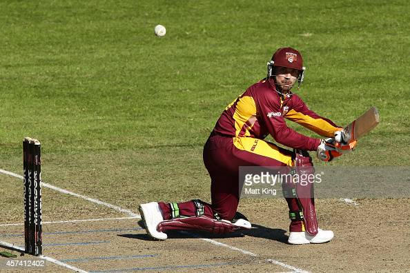 Chris Hartley of the Bulls plays on the on side during the Matador BBQs One Day Cup match between Queensland and Tasmania at North Sydney Oval on...