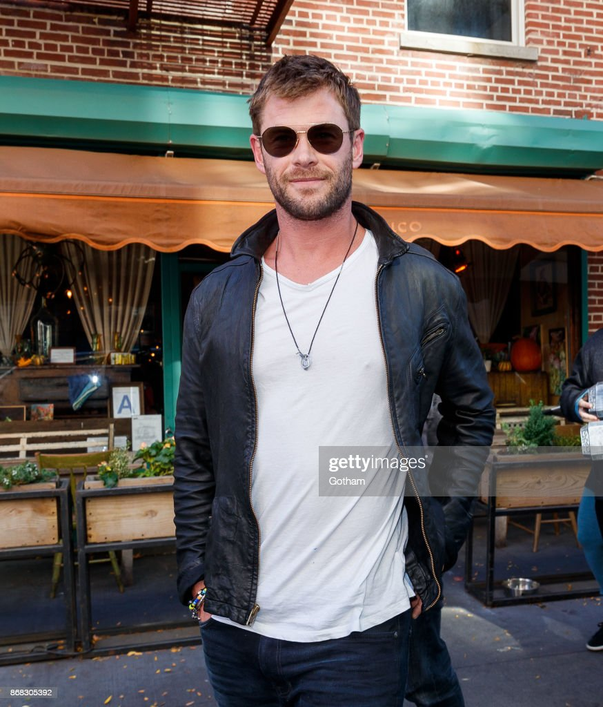 "Chris Hemsworth took a break from plugging ""Thor: Ragnarok"" to grab a bite at fave lunch spot Il Buco in NYC."