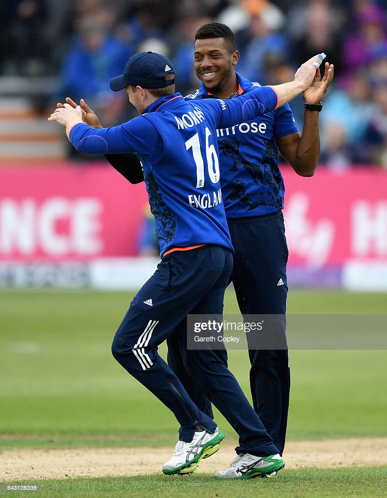 <a gi-track='captionPersonalityLinkClicked' href=/galleries/search?phrase=Chris+Jordan+-+Cricket+Player&family=editorial&specificpeople=12855183 ng-click='$event.stopPropagation()'>Chris Jordan</a> of England celebrates with captain Eoin Morgan after dismissing Angelo Mathews of Sri Lanka during the 3rd ODI Royal London One Day International match between England and Sri Lanka at The County Ground on June 26, 2016 in Bristol, England.