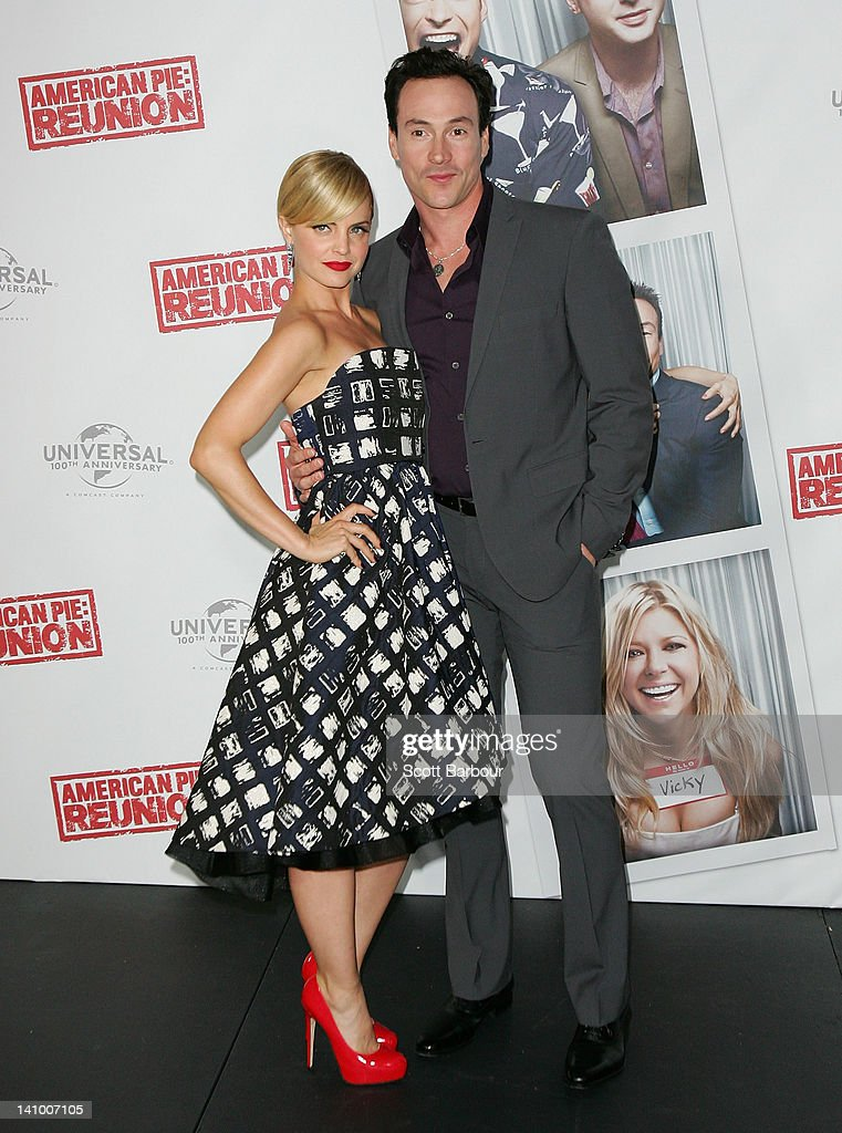 Chris Klein and <a gi-track='captionPersonalityLinkClicked' href=/galleries/search?phrase=Mena+Suvari&family=editorial&specificpeople=156413 ng-click='$event.stopPropagation()'>Mena Suvari</a> pose as they arrive at the Australian premiere of 'American Pie: Reunion' on March 7, 2012 in Melbourne, Australia.